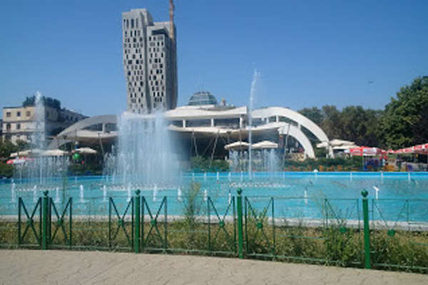 Parku-rinia-tirana