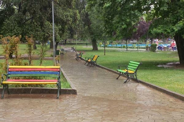 Quando piove a Tirana