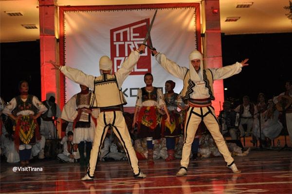 Në Konak-një dasmë e vërtetë shqiptare