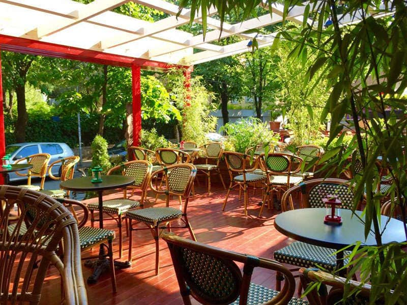 Colonial Cafe Tirane Shqiperi