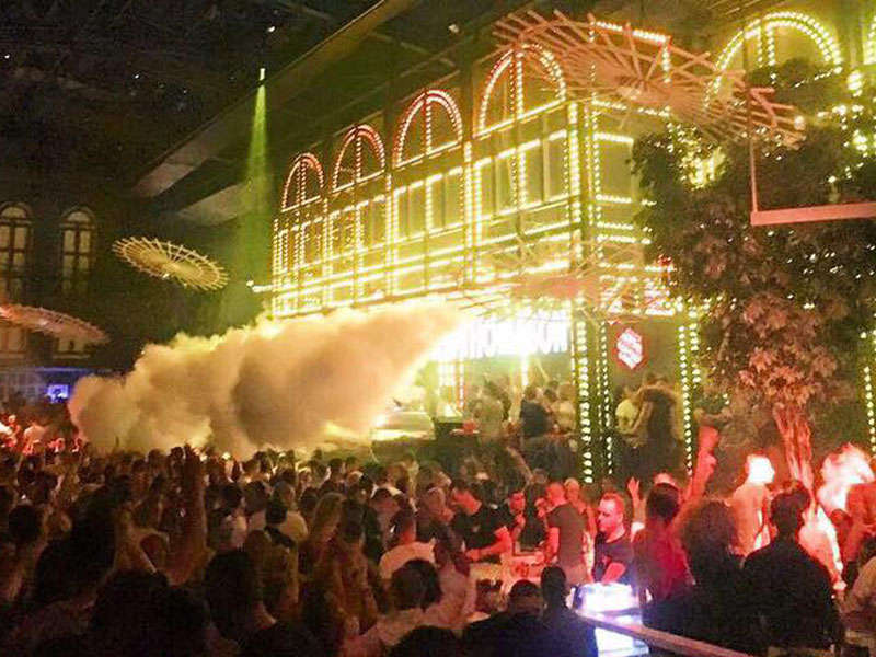 Folie Terrace Club in Tirana