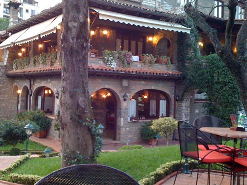 Juvenilja Restaurant in Tirana