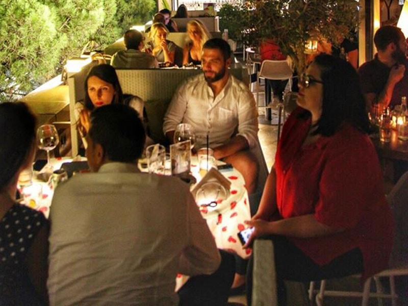 Alcora Bar a Tirana Albania