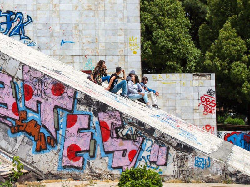 la piramide a Tirana Albania