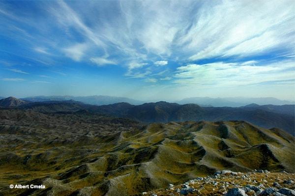 Mali me Gropa në Tiranë