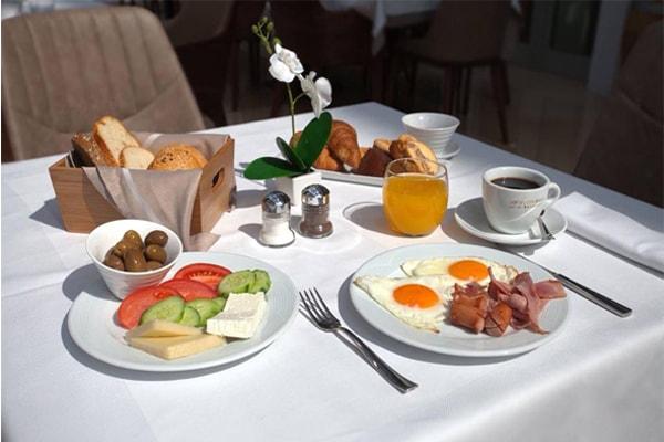 Hotel-Colosseo-bar-restaurant-tirana, restaurants Tirana, best resturants in Tirana, restaurants in Tirana