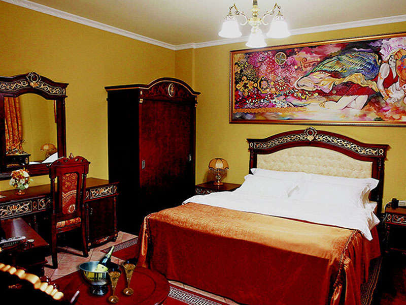 Accomodation in Dinasty hotel in Tirana