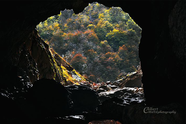 Shpella e Valit Tirane, Udhetim ne Shpellen e Valit ne Tirane, Ture ne Tirane, Udhetime ditore ne Tirane, Ekskursione ne Tirane, Udhetim ne Tirane, Shpella ne Tirane, Eksploro Tiranen
