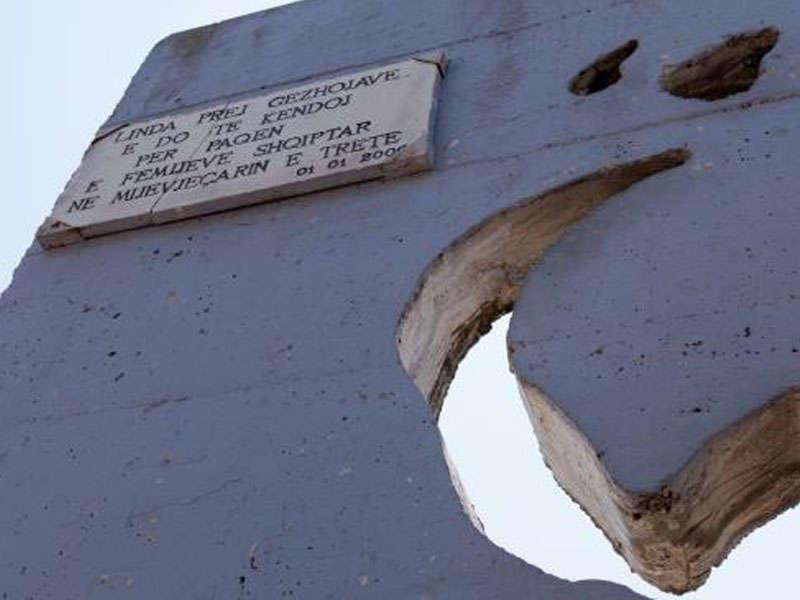 Peace Bell Tirana, Peace bell monument Tirana Albania