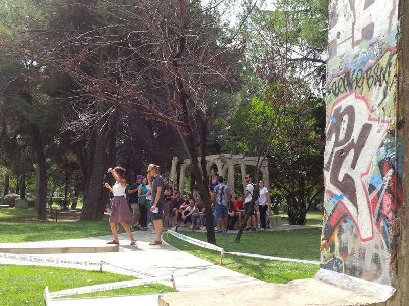 Postblloku ne Tirane, Memoriali komunist Tirane, bunkeri muri i berlinit Tirane