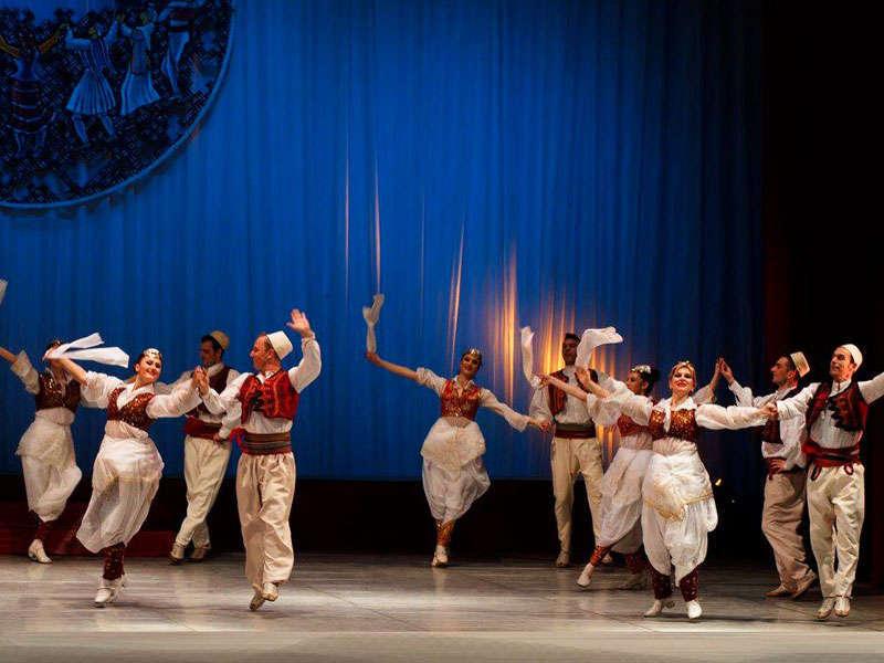 L'Ensemble Nazionale di Canzoni e Danze