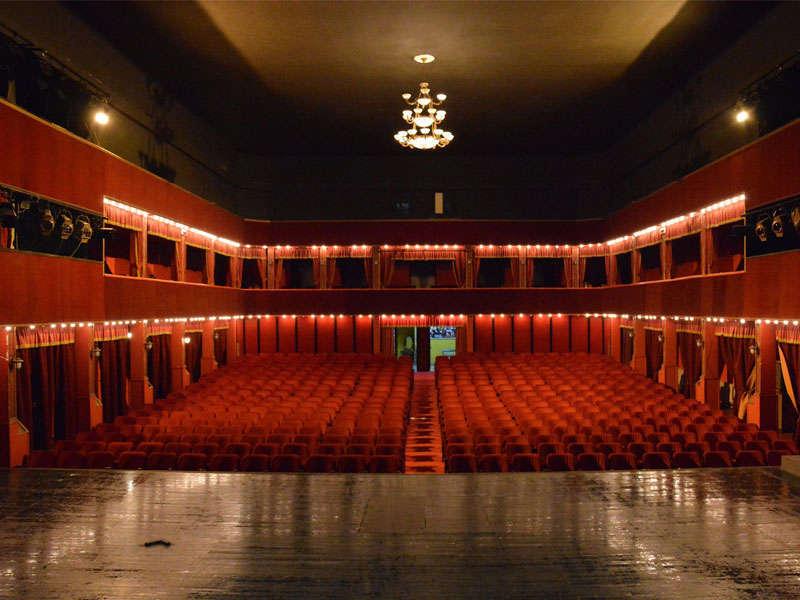 Teatro Nazionale a Tirana Albania