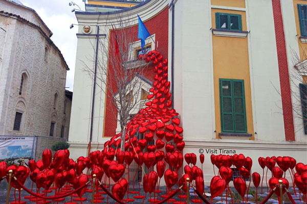 Tirana ready for Saint Valentine Day