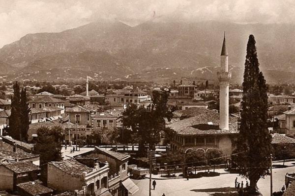 Tirana on its 98 anniversary as capital of Albania