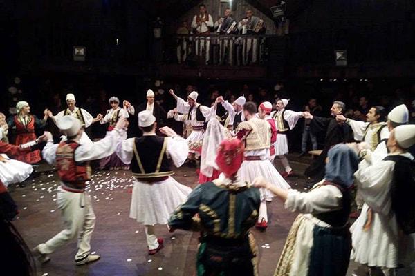 le commedie Shakespeare, teatri a Tirana
