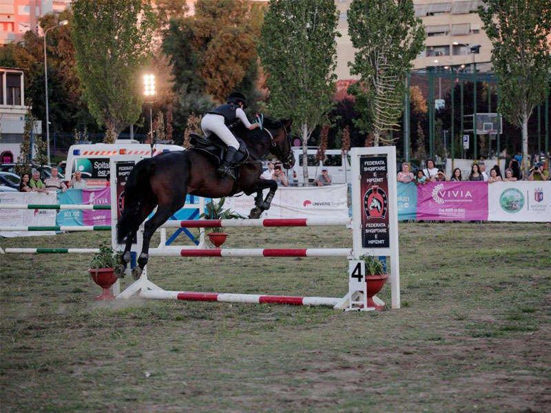 Lo sport dell'Equitazione Tirana