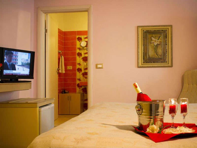 Hotele ne Tirane