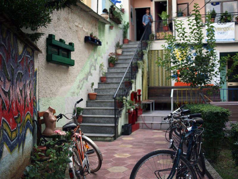 Milingona hostel ne Tirane