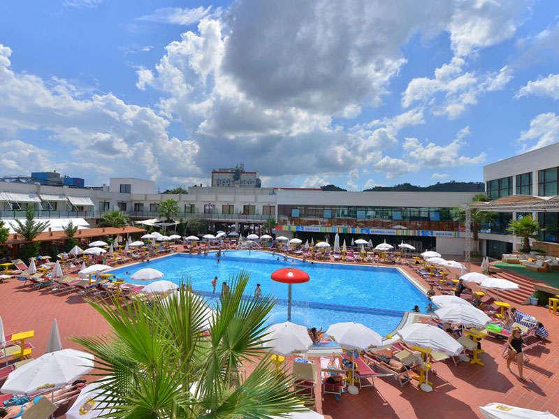 Te Stela Resort ne Tirane