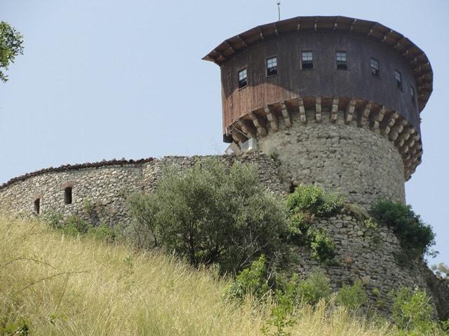 Kalaja e Petreles Tirane