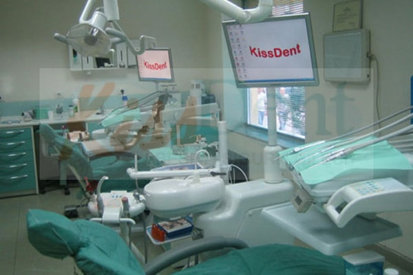 Kiss Dent Clinic in Tirana