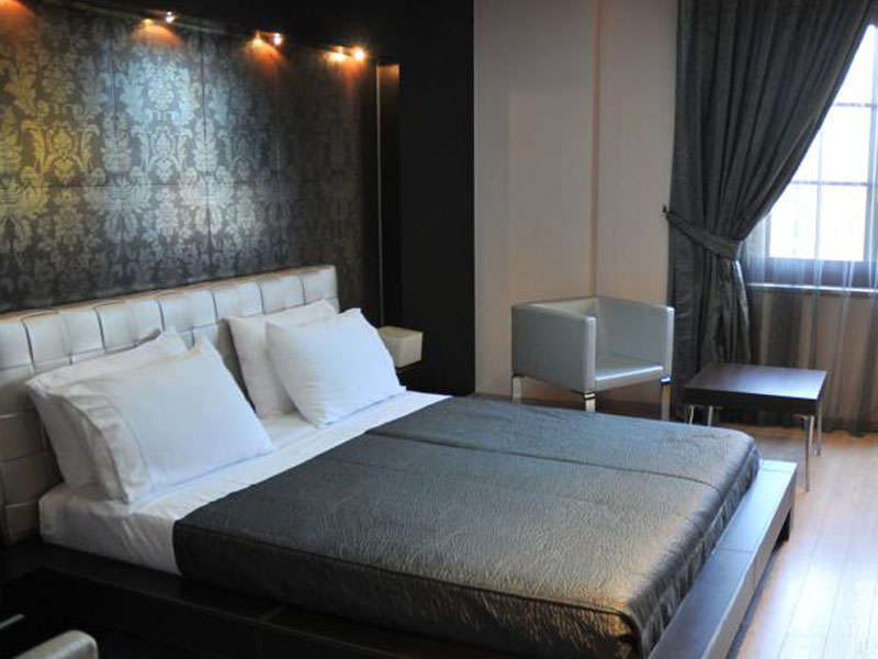 Monarc Hotel in Tirana