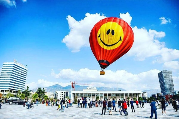 Trip with Hot Air Balloon Albania, hot air balloon tour in Tirana Albania, trip with hot air balloon in Tirana, tours in Tirana, daytrips in Tirana, Tirana tours, excursion in Tirana, explore Tirana, outdoor tours Tirana